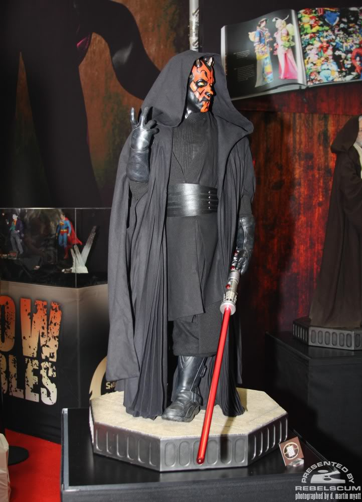 Sideshow - Darth Maul - Legendary Scale Figure  IMG_0478
