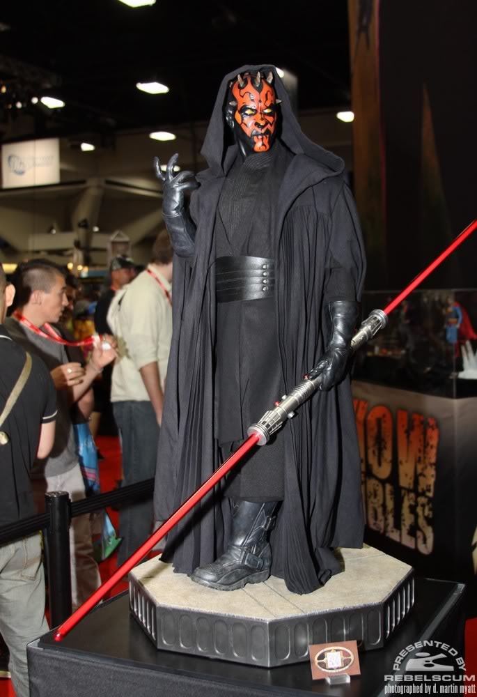 Sideshow - Darth Maul - Legendary Scale Figure  IMG_0479