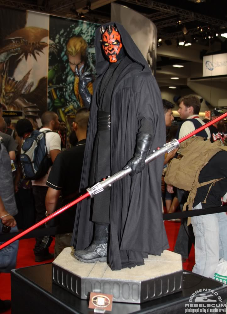 Sideshow - Darth Maul - Legendary Scale Figure  IMG_0481