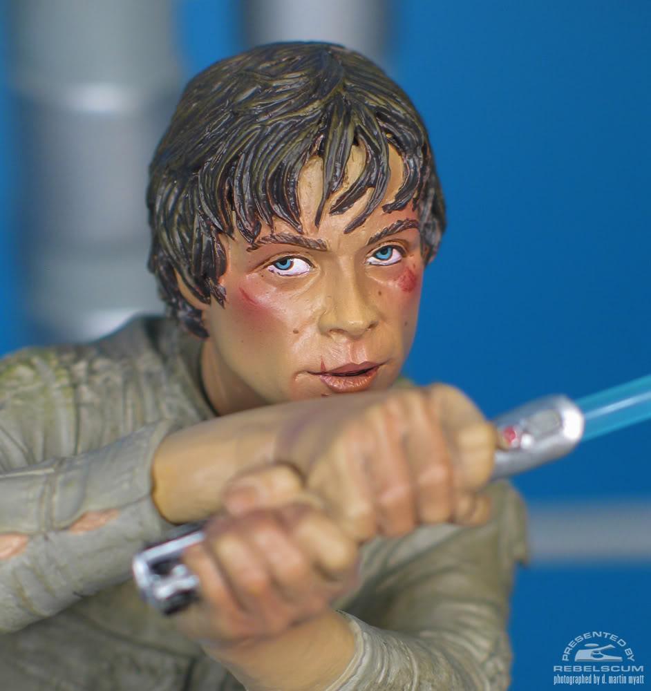 Sideshow - Luke Skywalker VS Darth Vader on Bespin Diorama - Page 2 Luke_vs_Vader-09