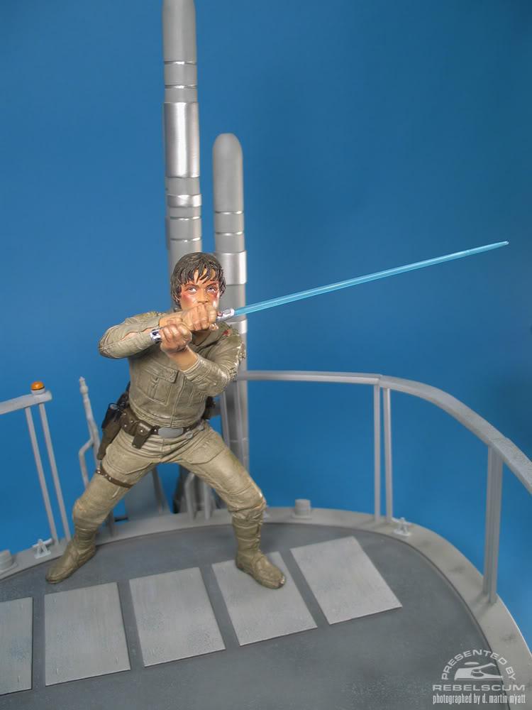 Sideshow - Luke Skywalker VS Darth Vader on Bespin Diorama - Page 2 Luke_vs_Vader-26
