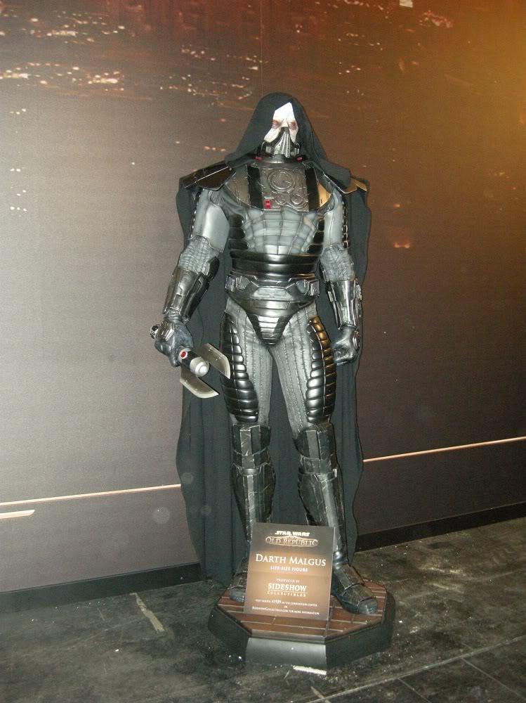 Sideshow - Darth Malgus - Life Size Figure Gamescom_montag_aufbau_044