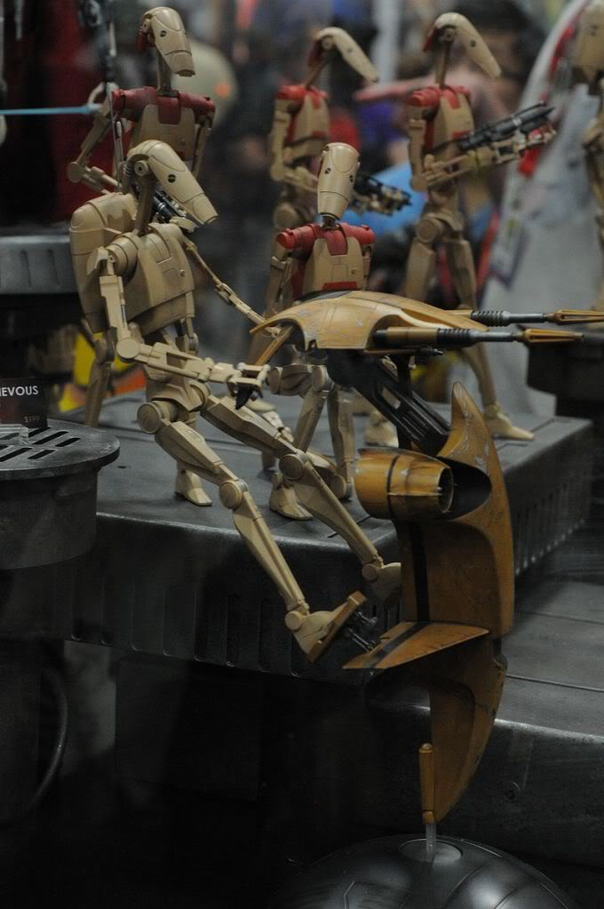 Sideshow - STAP Battle Droid 1/6 Scale Figure Sdcc2011_sideshow_starwars_18