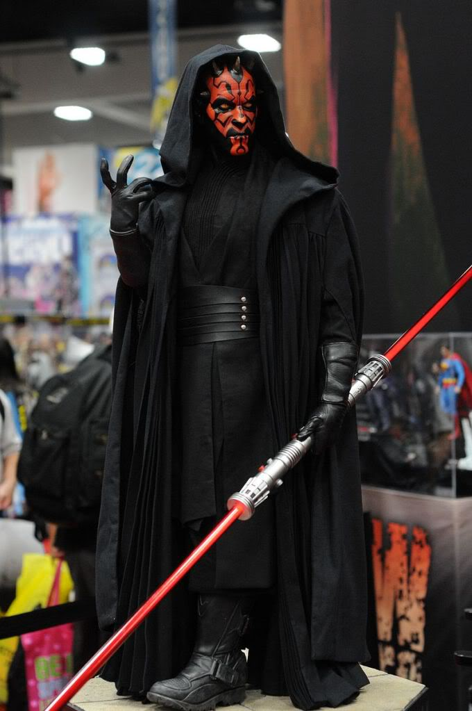 Sideshow - Darth Maul - Legendary Scale Figure  Sdcc2011_sideshow_starwars_38