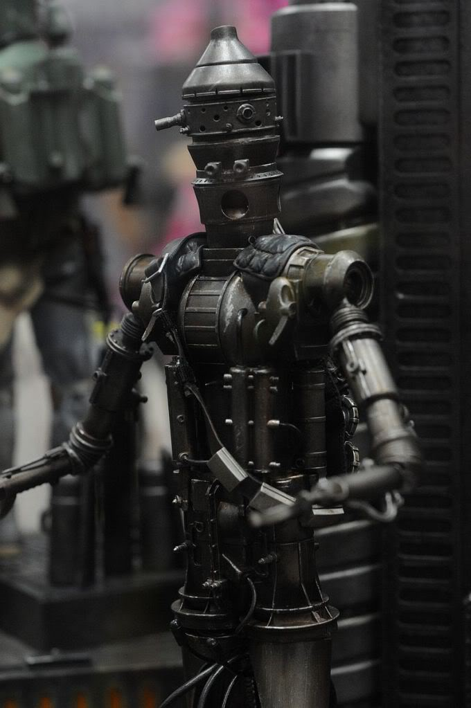 Sideshow - IG-88 - 12 inch Figure - Page 2 Sdcc2011_sideshow_starwars_9