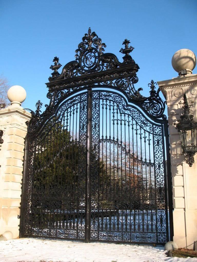 Portão Principal de acesso Night Class Mansion_Iron_Gate_03_by_escapist1901_zps3734328f