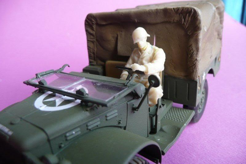 Figurine the Body Chauffeur-01