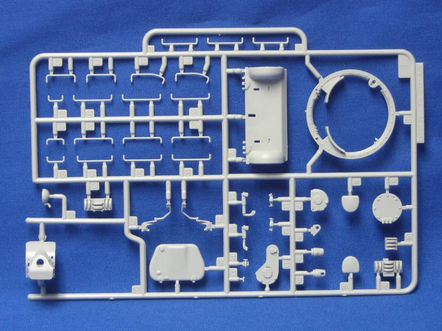 AFV Club's T-34 Factory 112 1942 production, a look inside the box... SprueE