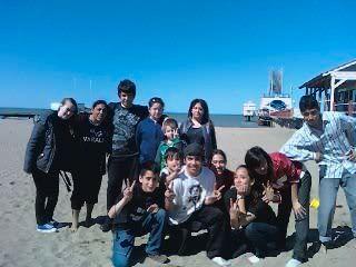 Foto de la reunion en la playa 46360_165578526790729_128274587187790_594992_763003_n