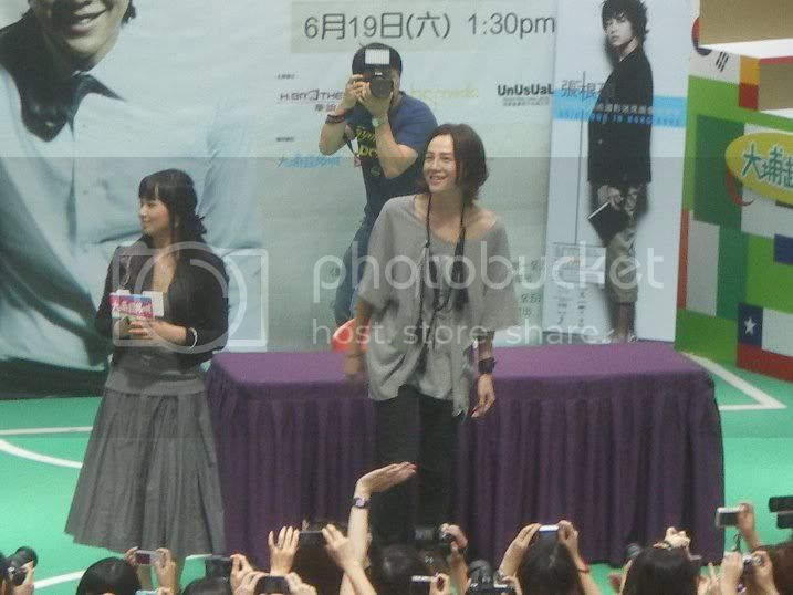 Conferencia de prensa en Hong Kong 36434_280490099980_259857094980_867