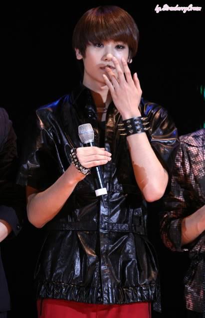 [GALERIA] HyungSik Tumblr_kxfz51aHdY1qaahv5o1_500