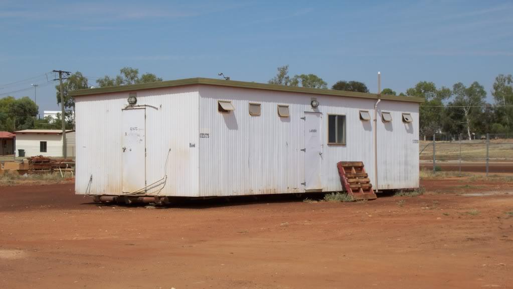 Cue Tourist Park update. Caravanpark2012046