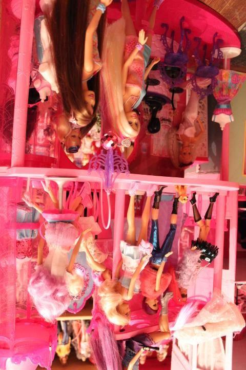 Mon mur barbie, poupées et playsets :) IMG_2474_zps61057eae