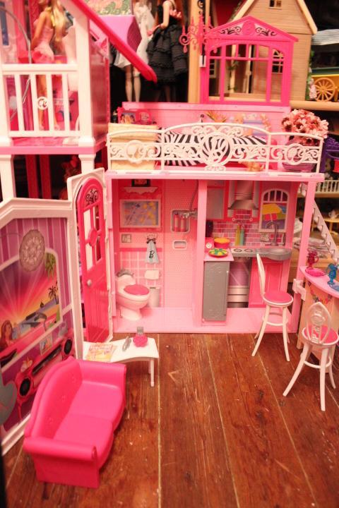 Mon mur barbie, poupées et playsets :) IMG_2478_zps15c7a1ef