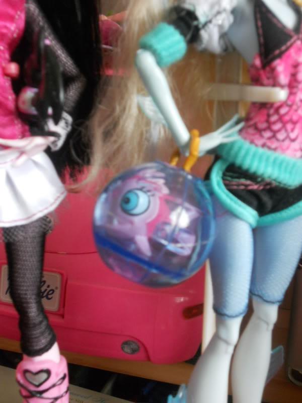 Mes petites Monsters ! DSCN1193