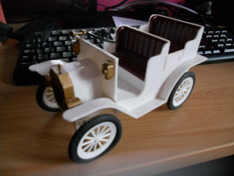 fabrication d'une voiture 1900 pour BJD DSCN1937_zpsef3f2ea1