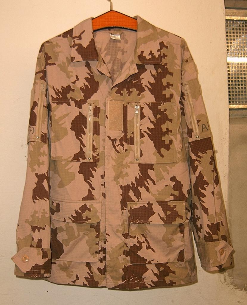 Lithuanian M05 Desert Uniform 01_zpst69n4zke