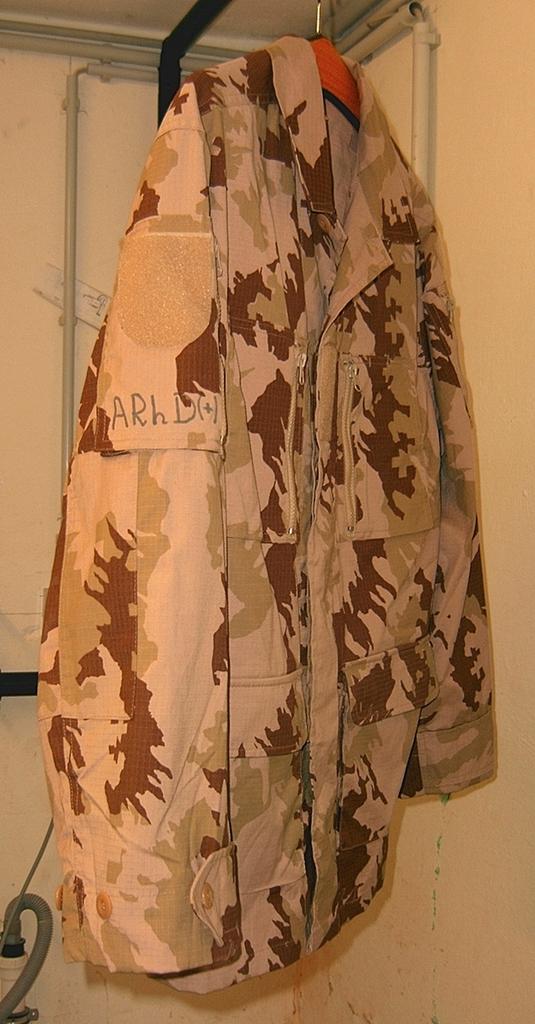 Lithuanian M05 Desert Uniform 03_zpsfutfp2qx