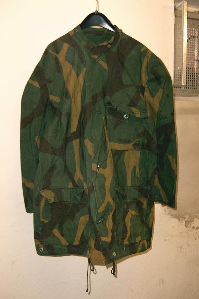 Yugoslav M68 MOL Jacket made of tent sheet? 01_zpsnsoqa87b