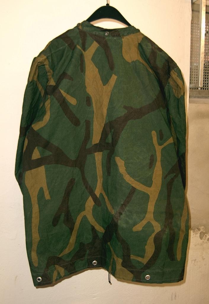 Yugoslav M68 MOL Jacket made of tent sheet? 03_zpswb6nkrkb