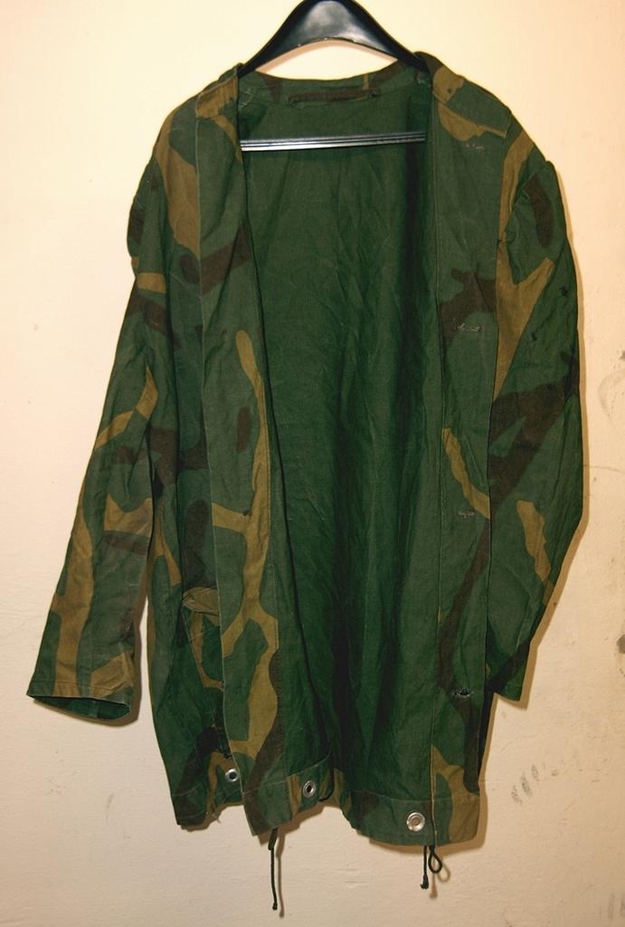Yugoslav M68 MOL Jacket made of tent sheet? 04_zps6mv83aui