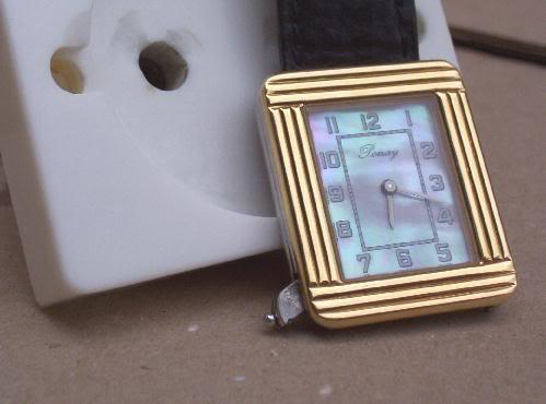 pleins feux sur les montre carré ( ou rectangulaire !) Poiray