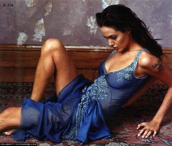 Angelina Jolie 28f03030