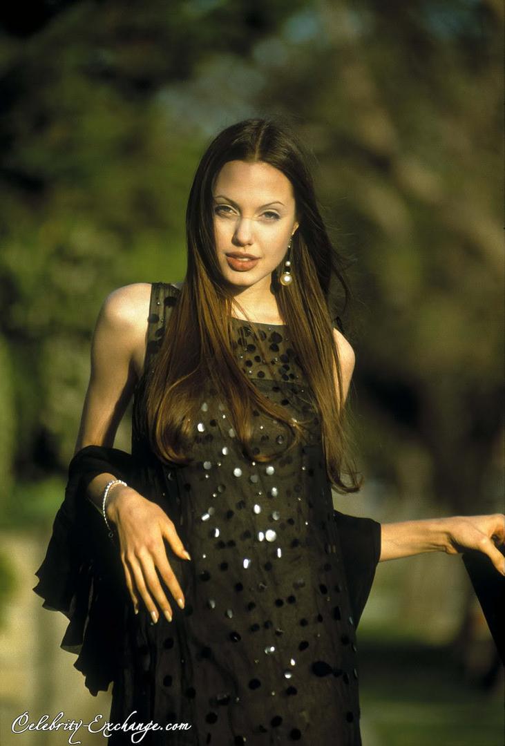 Angelina Jolie E245a63b