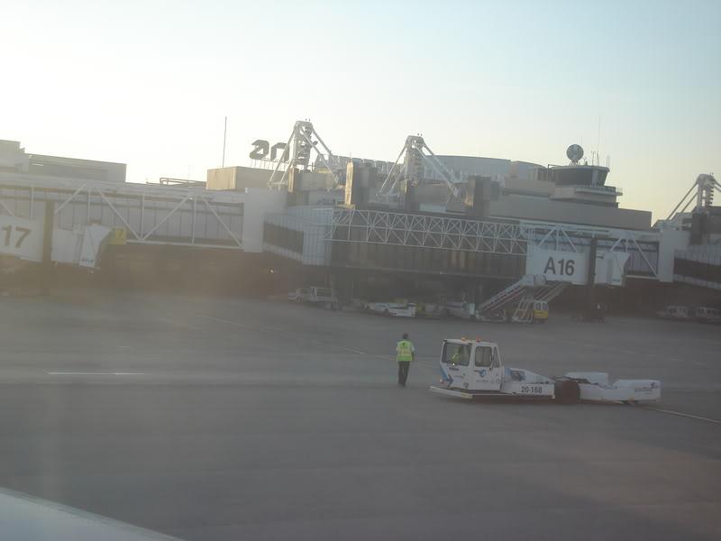 [REAL] - Rio - Madri - Lisboa - parte 2/2 - volta  A340 600 - Ibéria DSC01697