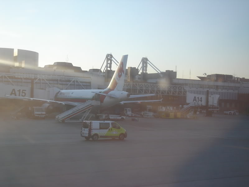 [REAL] - Rio - Madri - Lisboa - parte 2/2 - volta  A340 600 - Ibéria DSC01698