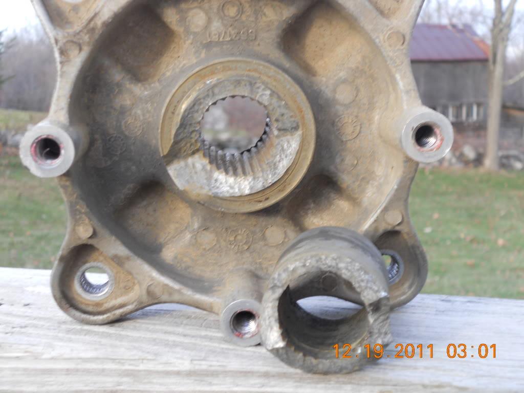 Broken rear hub 012