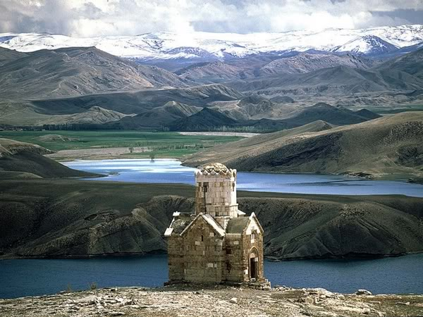 ..mesto o kome maštam.... Armenian-church-north-western-iran