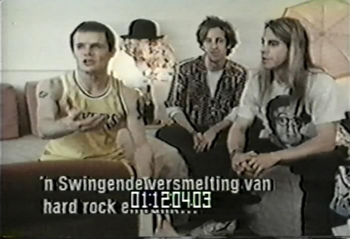 1988  VPRO – Europe By Storm (DVD5 - NTSC) JoinedVOB_snapshot_1202_20100416_12