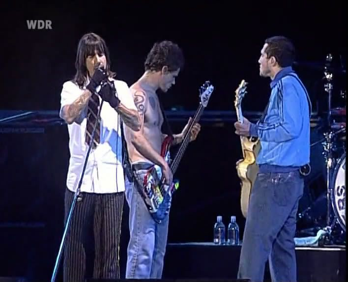 Rock Am Ring 2004 - Completo SATRip (Torrent) Rhcp-rock-am-ring-01