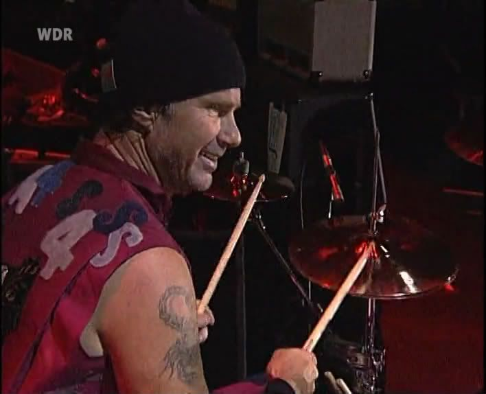Rock Am Ring 2004 - Completo SATRip (Torrent) Rhcp-rock-am-ring-04