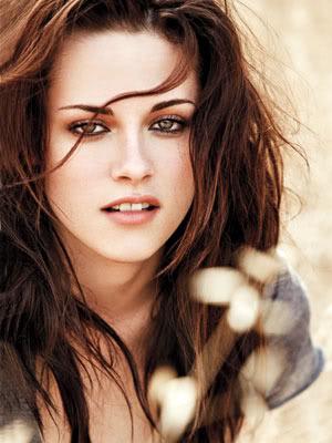 Bella Swan/Kristen Stewart EW_Outtakes_Taylor___Kristen_3