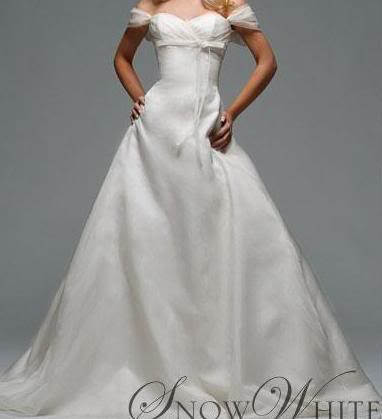 Pictures of our dresses or suits for the Masquerade! Snow_dress5