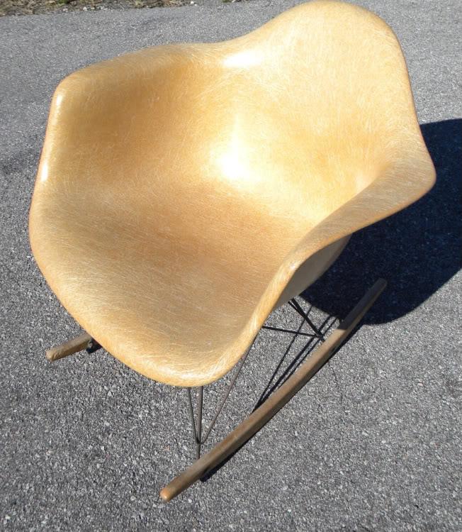 HELP & QUESTIONS Vintage Herman Miller Eames RAR rocker ModHMrocker0005