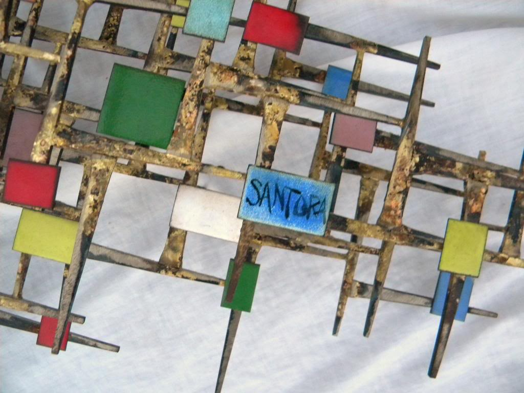 ID and BIO Abstract Brutalist Wall Sculpture - Iron Metal & Enamel ??? 60's DSCN8496