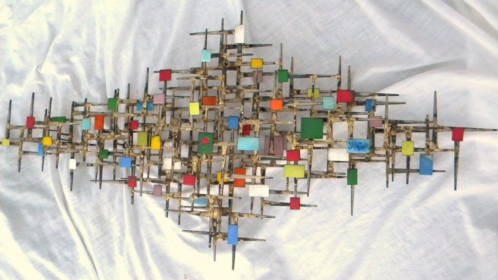 ID and BIO Abstract Brutalist Wall Sculpture - Iron Metal & Enamel ??? 60's DSCN8498
