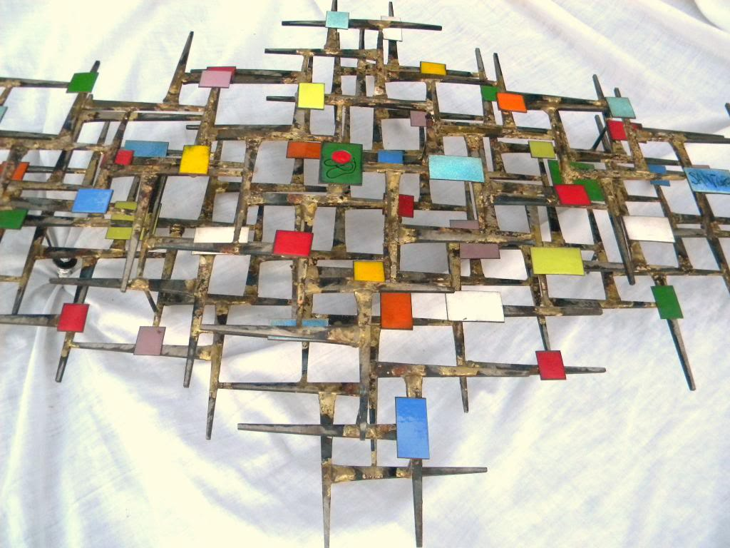 ID and BIO Abstract Brutalist Wall Sculpture - Iron Metal & Enamel ??? 60's DSCN8502