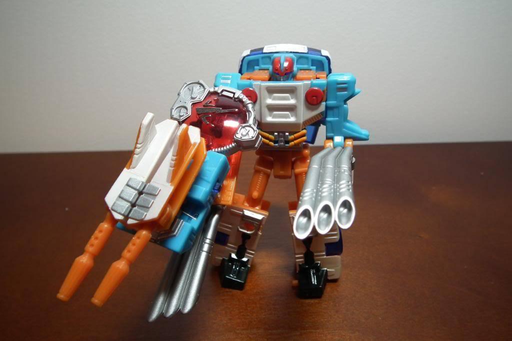 Collection de Braveheart: Venez voir mon musé personnel de Transformers - Page 4 DSCF2775