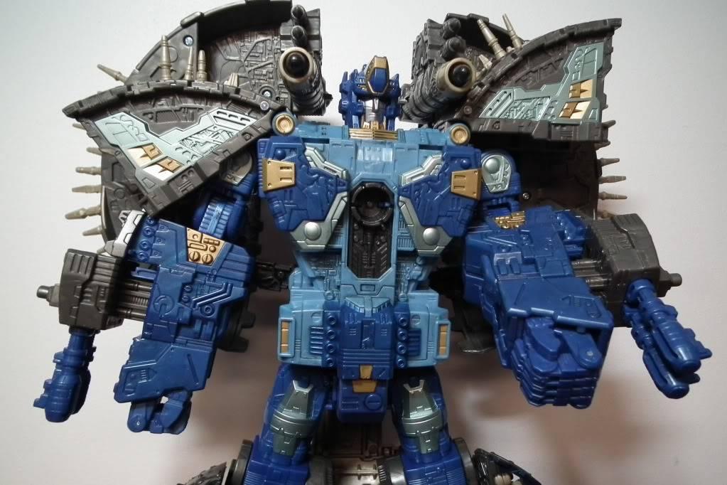 Collection de Braveheart: Venez voir mon musé personnel de Transformers - Page 7 DSCF4037
