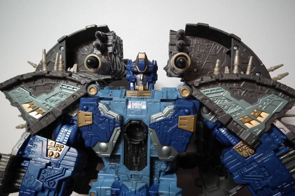 Collection de Braveheart: Venez voir mon musé personnel de Transformers - Page 7 DSCF4040