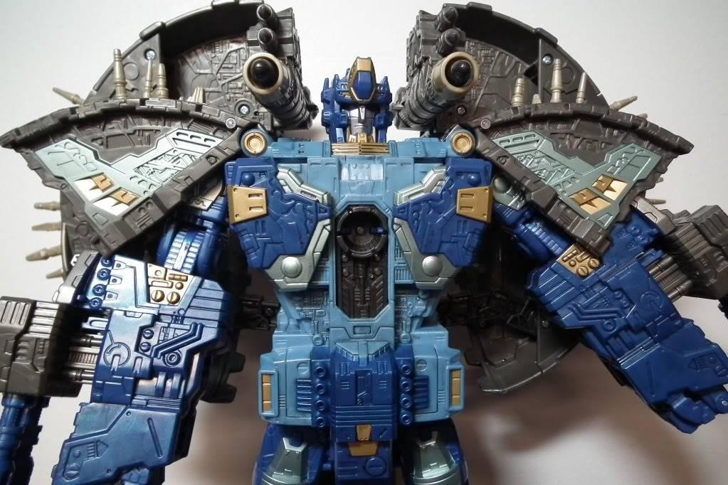 Collection de Braveheart: Venez voir mon musé personnel de Transformers - Page 7 DSCF4041