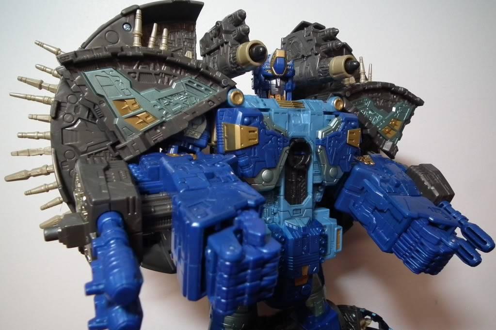 Collection de Braveheart: Venez voir mon musé personnel de Transformers - Page 7 DSCF4044
