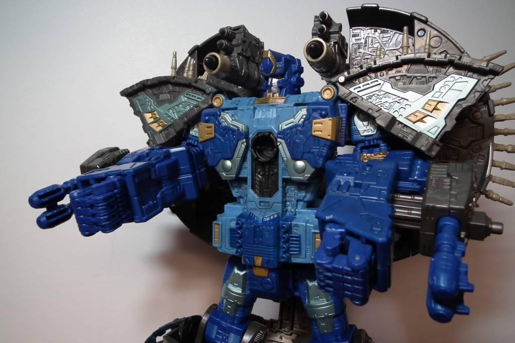 Collection de Braveheart: Venez voir mon musé personnel de Transformers - Page 7 DSCF4045