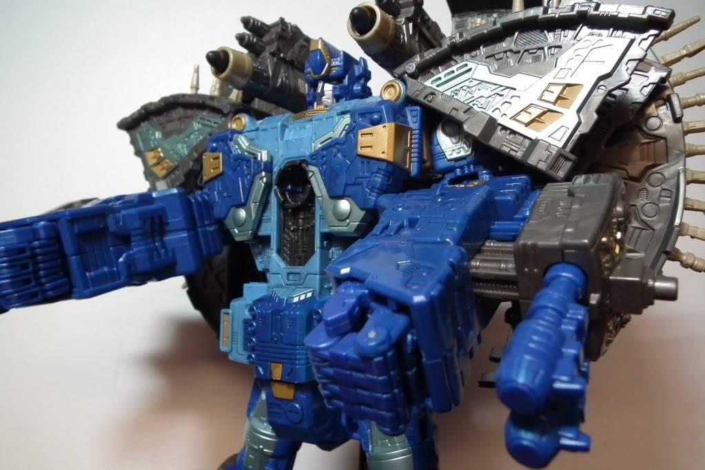 Collection de Braveheart: Venez voir mon musé personnel de Transformers - Page 7 DSCF4053