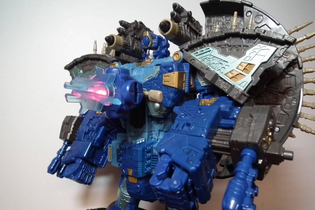 Collection de Braveheart: Venez voir mon musé personnel de Transformers - Page 7 DSCF4057
