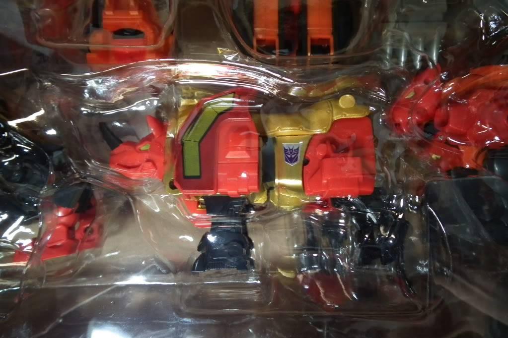 Collection de Braveheart: Venez voir mon musé personnel de Transformers - Page 6 DSCF4078